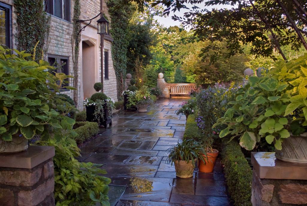 August-Courtyard